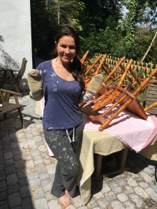 Georgina prepares to paint 8 pine chairs - upcycling pine chairs outtakes