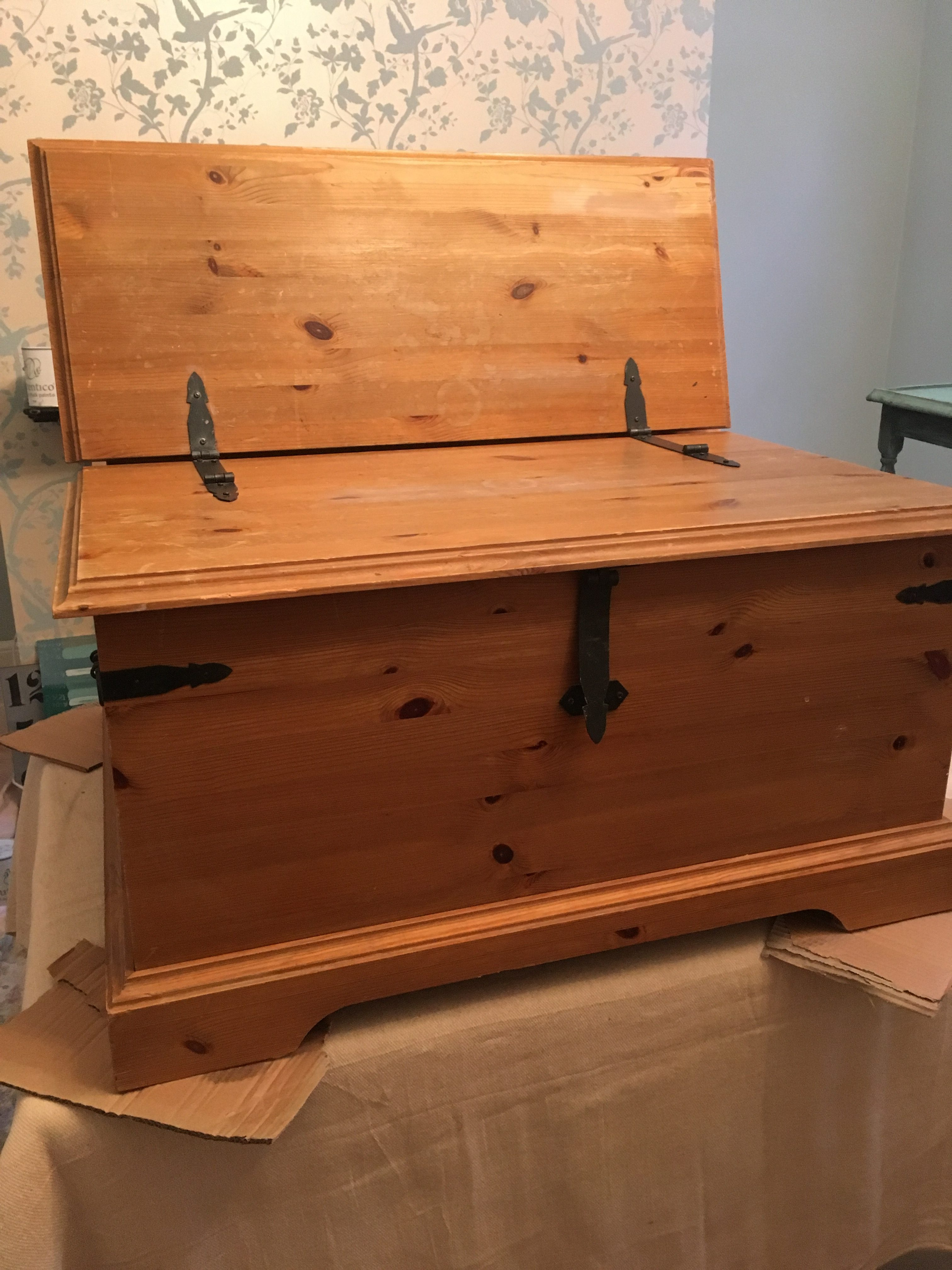 Upcycling: Chest Before