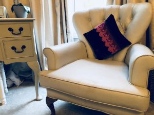 how to paint furniture armchair